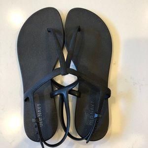 Black t strap sandals
